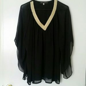 NWOT Flowy V-Neck Top L